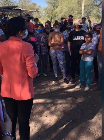 Caucete: Romina Rosas se hizo presente en el corte de ruta