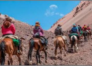 Expedicionarios en camino a Valle Hermoso