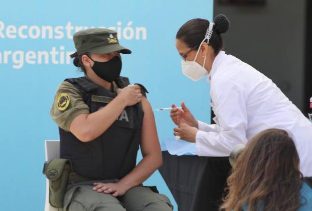 Nuevos centros de vacunación para las fuerzas de seguridad y defensa