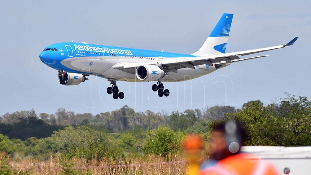 Llegó a Ezeiza el octavo vuelo de Aerolíneas Argentinas con 500 mil vacunas