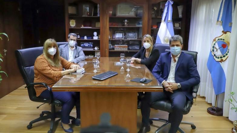 Pasos fronterizos: el gobernador mantuvo una reunión virtual con ministros nacionales