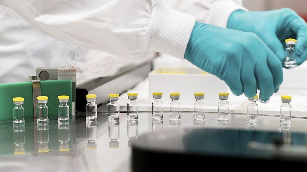 La OMS aprobó de urgencia la vacuna de Johnson&Johnson y defendió la de AstraZeneca