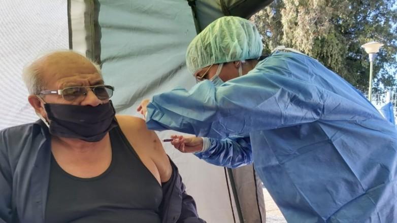 Jachal: Operativo de vacunación antigripal y de COVID-19