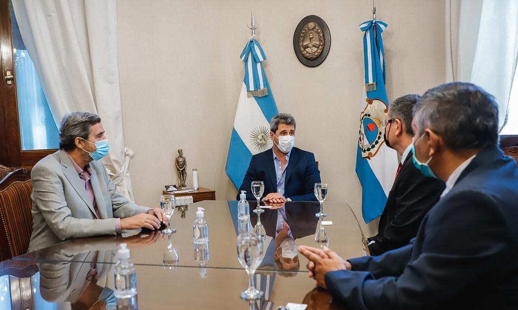 El gobernador Uñac se reunió con empresarios mineros