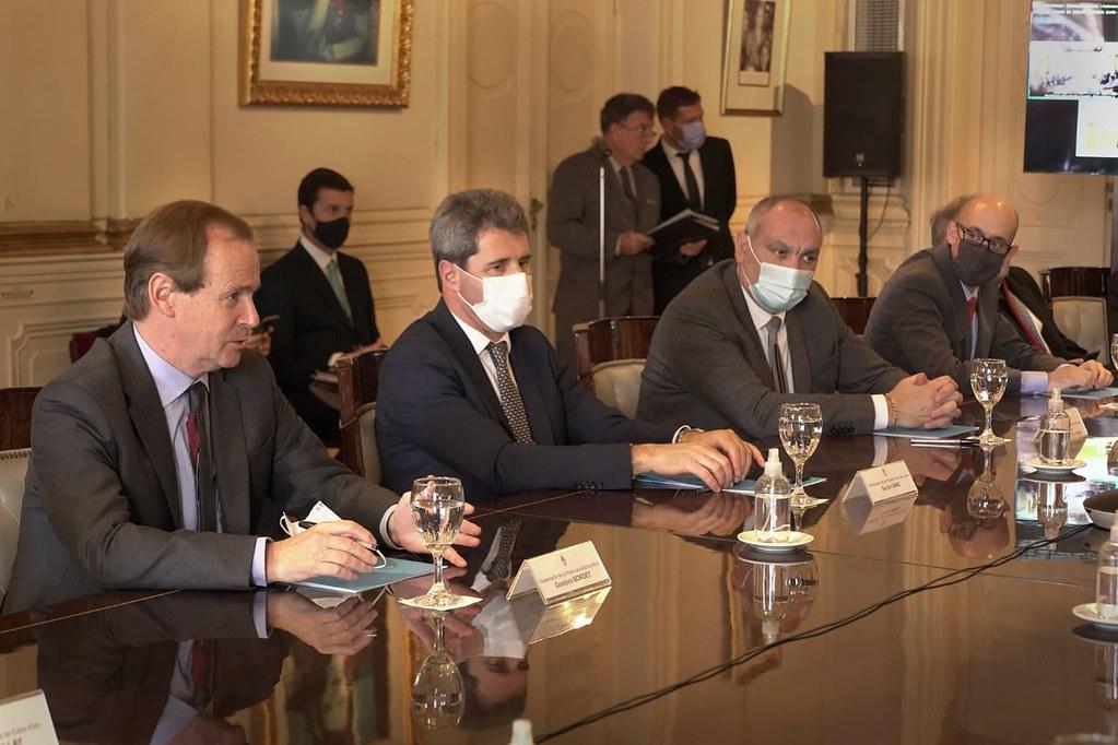 Acuerdo que permitirán destinar más de $ 2.200 millones a mejoras en el servicio eléctrico y reducciones tarifarias