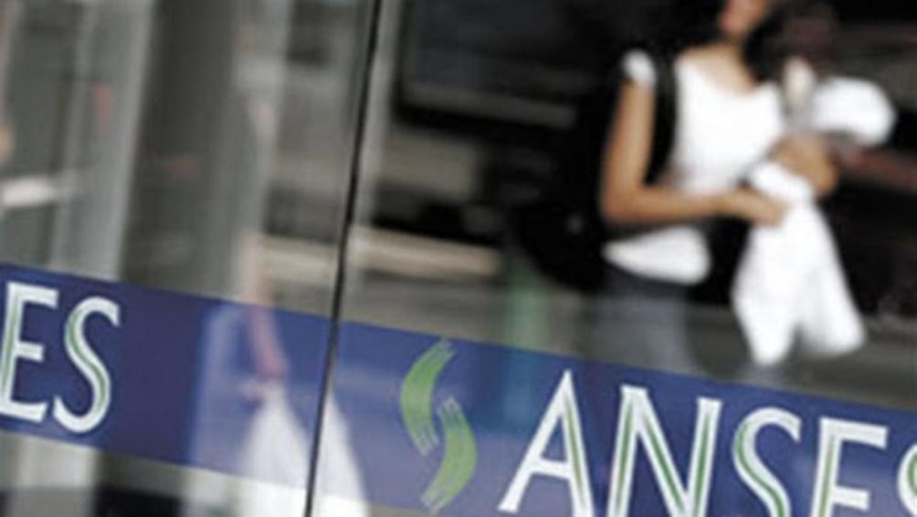 Desde hoy, 880 mil beneficiarios de la AUH cobrarán un plus de más de 7 mil pesos