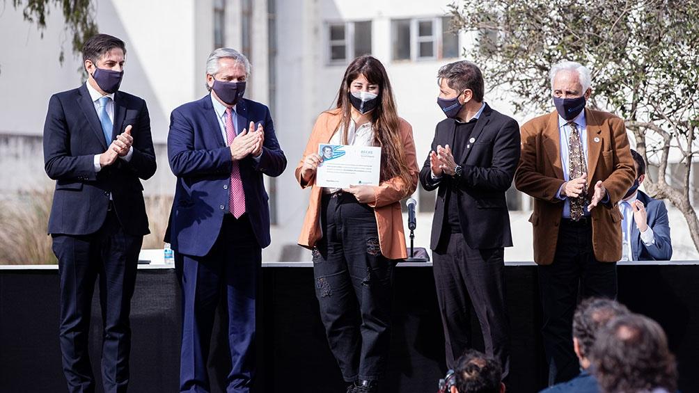 Fernández llamó a «defender la universidad pública» de los que creen que no es necesaria