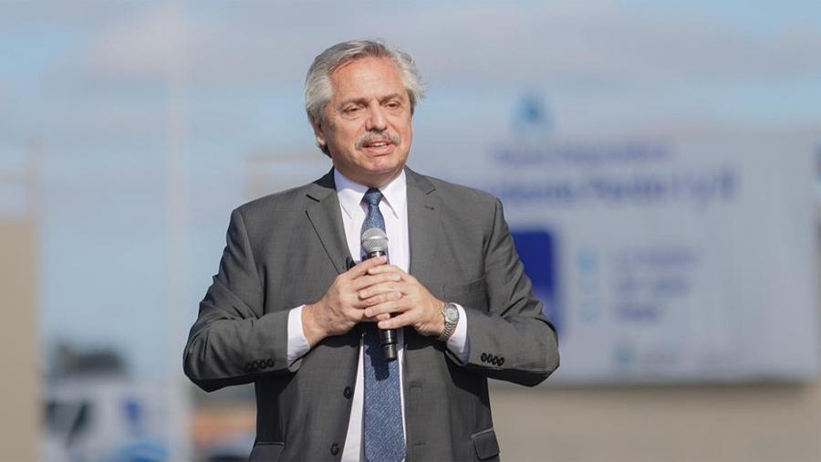 Fernández: «Todos los que son precandidatos deben dejar sus cargos»