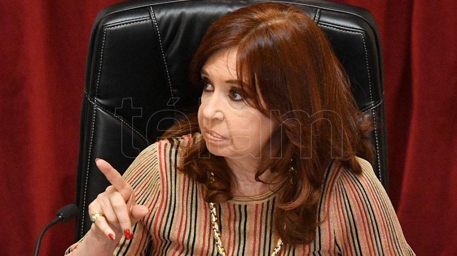 Cristina Kirchner cuestionó la tapa de un diario y su «desinformación y confusión»