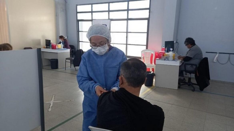 San Juan ya aplicó más de 800.000 dosis contra el COVID-19