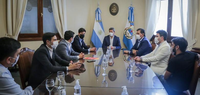 El Gobernador Uñac recibió a funcionarios del Instituto Nacional de la Juventud